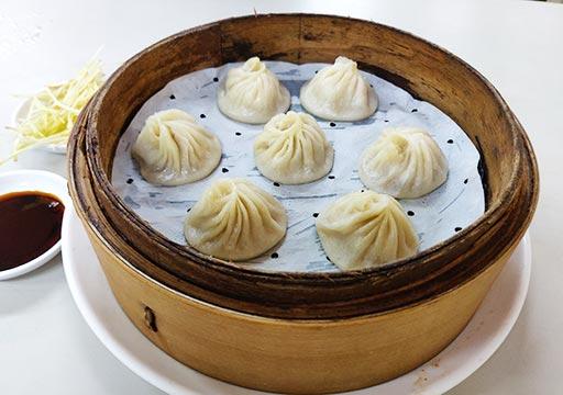 台南のグルメ 上海華都小吃の小籠包