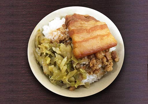 高雄の苓雅市場/自強夜市 南豐魯肉飯の魯肉飯