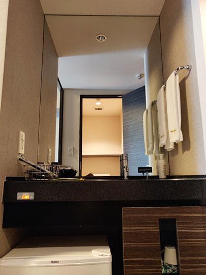 天然温泉 霧桜の湯 ドーミーイン鹿児島 客室の洗面台