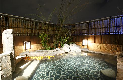 天然温泉 霧桜の湯 ドーミーイン鹿児島 男湯の露天風呂