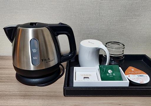 ホテル福岡ガーデンパレス 客室のケトルとお茶・コーヒー