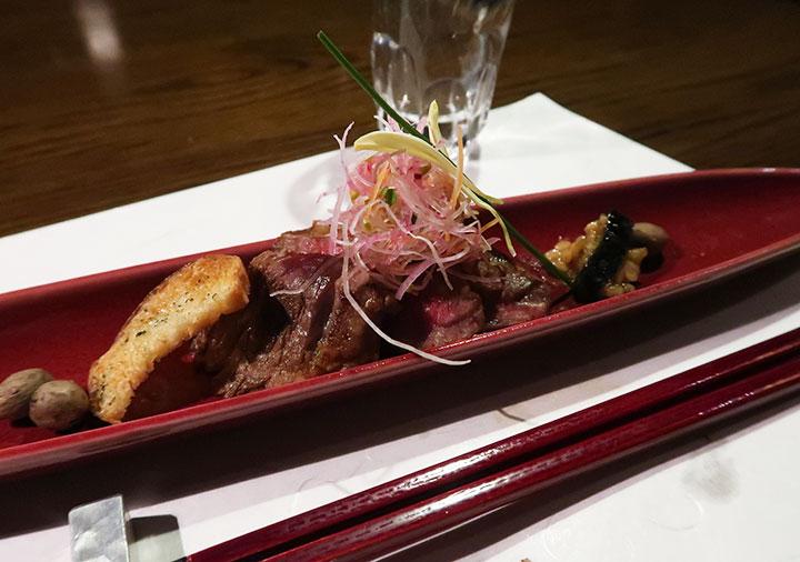 黒川温泉 旅館山河 夕食の味彩牛の山椒焼き