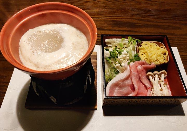 黒川温泉 旅館山河 夕食の豆乳麹鍋