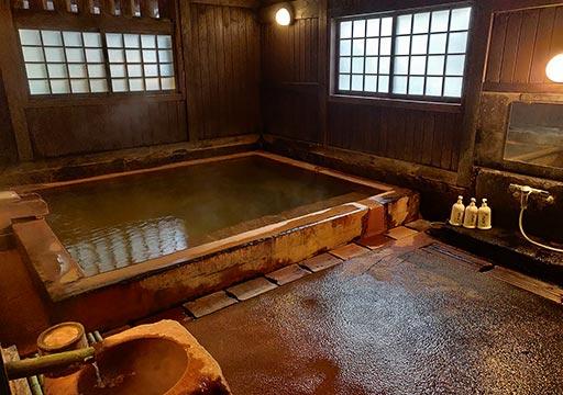 黒川温泉 旅館山河 大浴場:薬師の湯の女湯