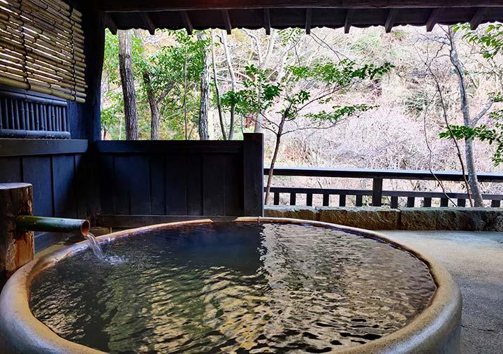 黒川温泉 旅館山河 家族風呂:六尺桶風呂