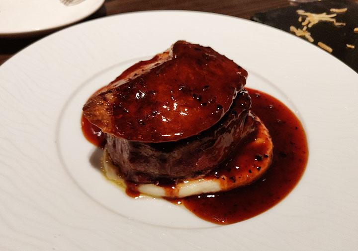 俺のフレンチ博多 牛フィレ肉とフォアグラのロッシーニ