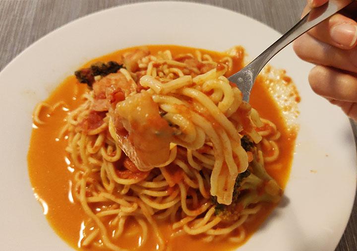 俺のイタリアン 渡り蟹と海老のトマトクリームソース