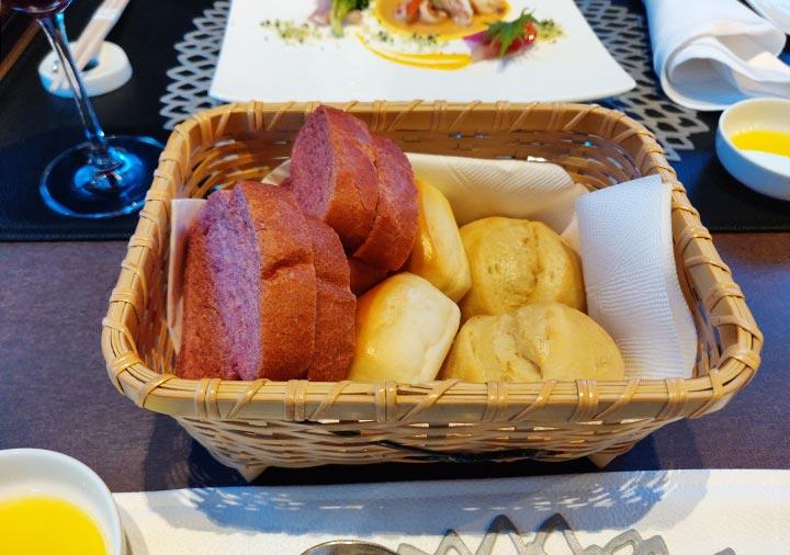 フリューゲル久住 夕食のパン
