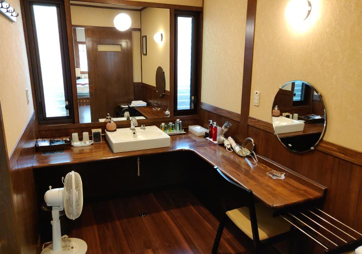 フリューゲル久住 客室の洗面所