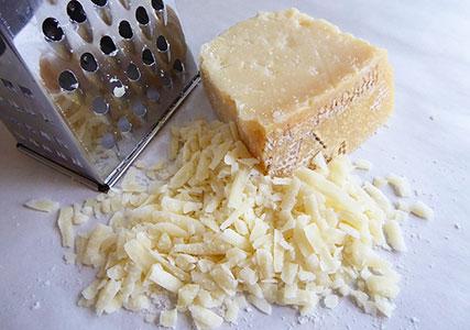 イタリアのチーズ グラナパダーノ