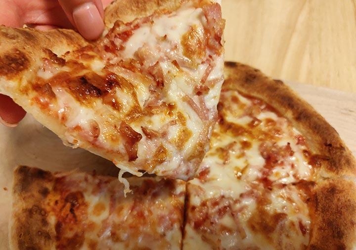 森山ナポリの冷凍ピザ ベーコンチーズ